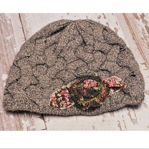 Grevi Italian Wool Viscose Cashmere Cable Knit Hat